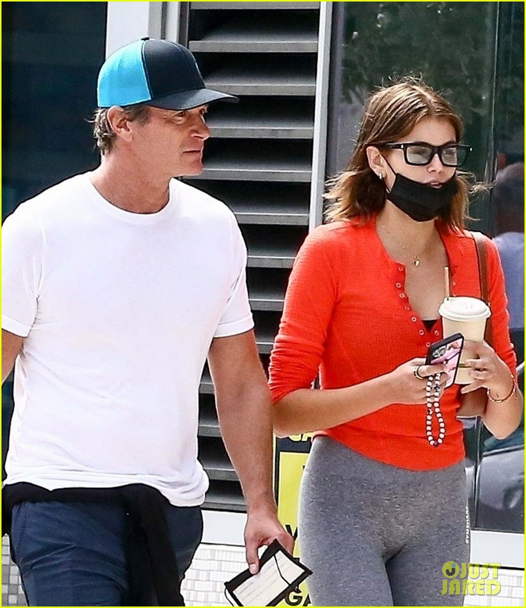 cindy crawford birthday outing with rande kaia gerber 024526369