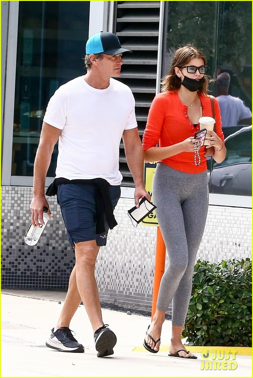 cindy crawford birthday outing with rande kaia gerber 054526372