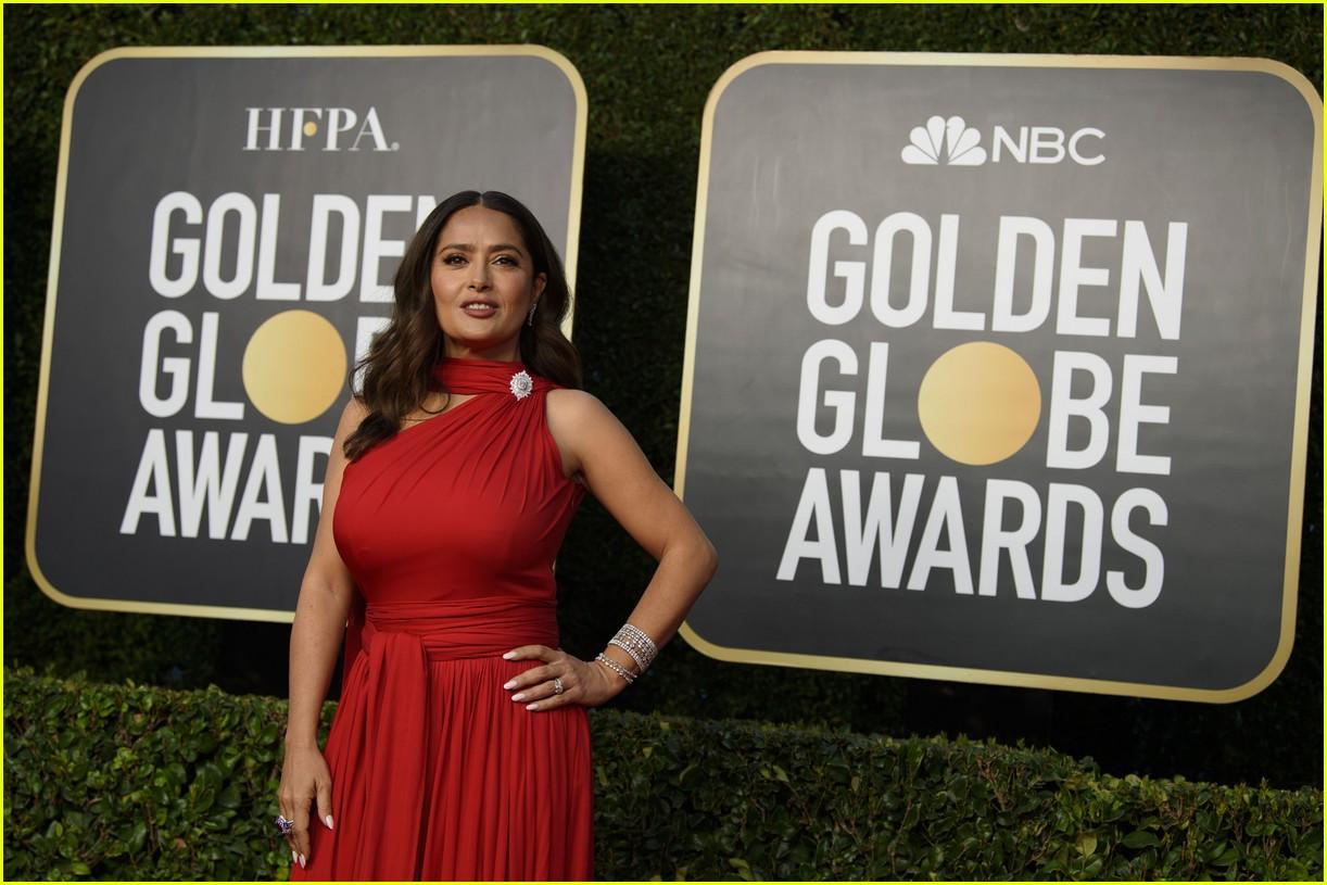 eiza gonzalez salma hayek golden globes glam looks 014528722