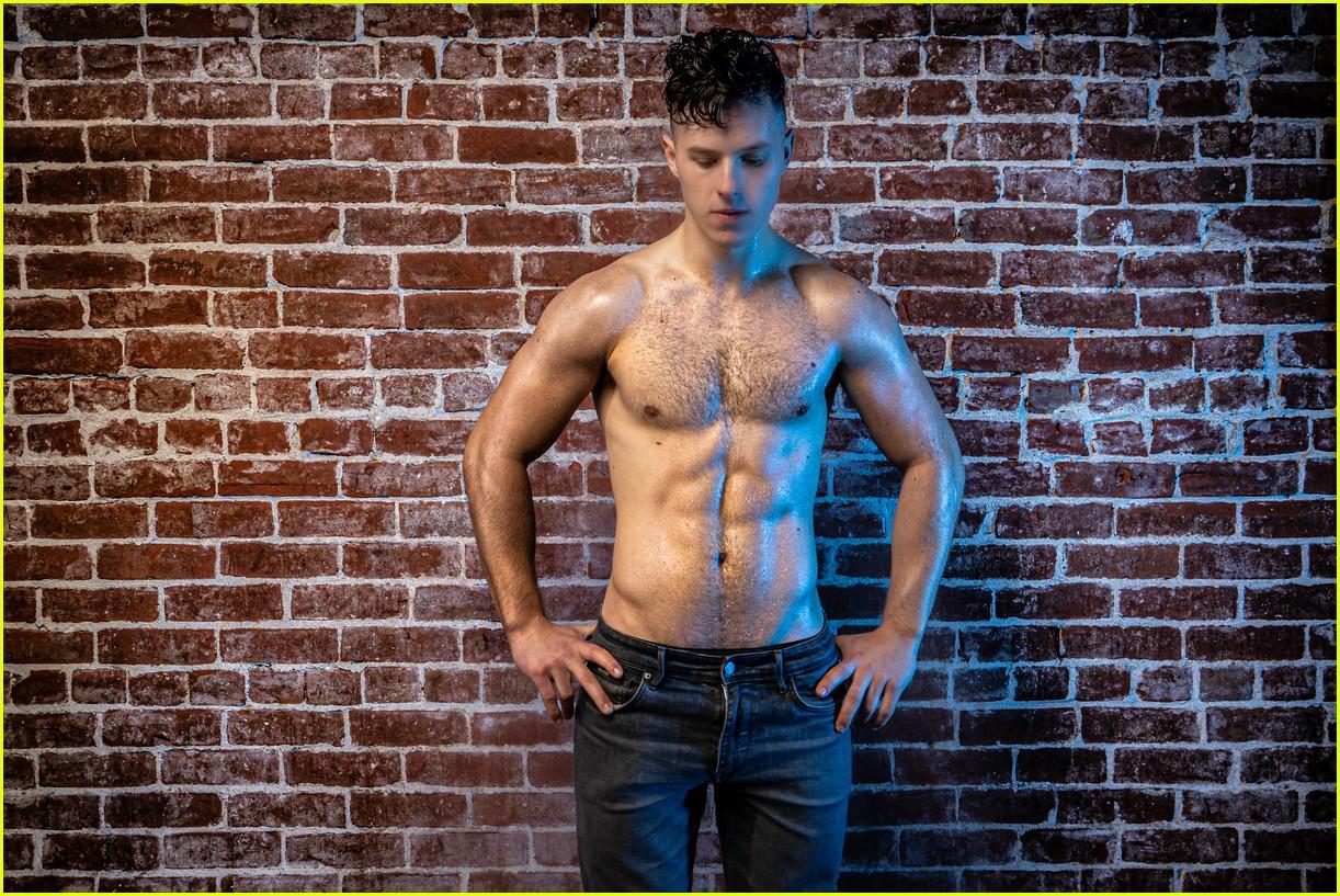 nolan gould shirtless and ripped 014525961