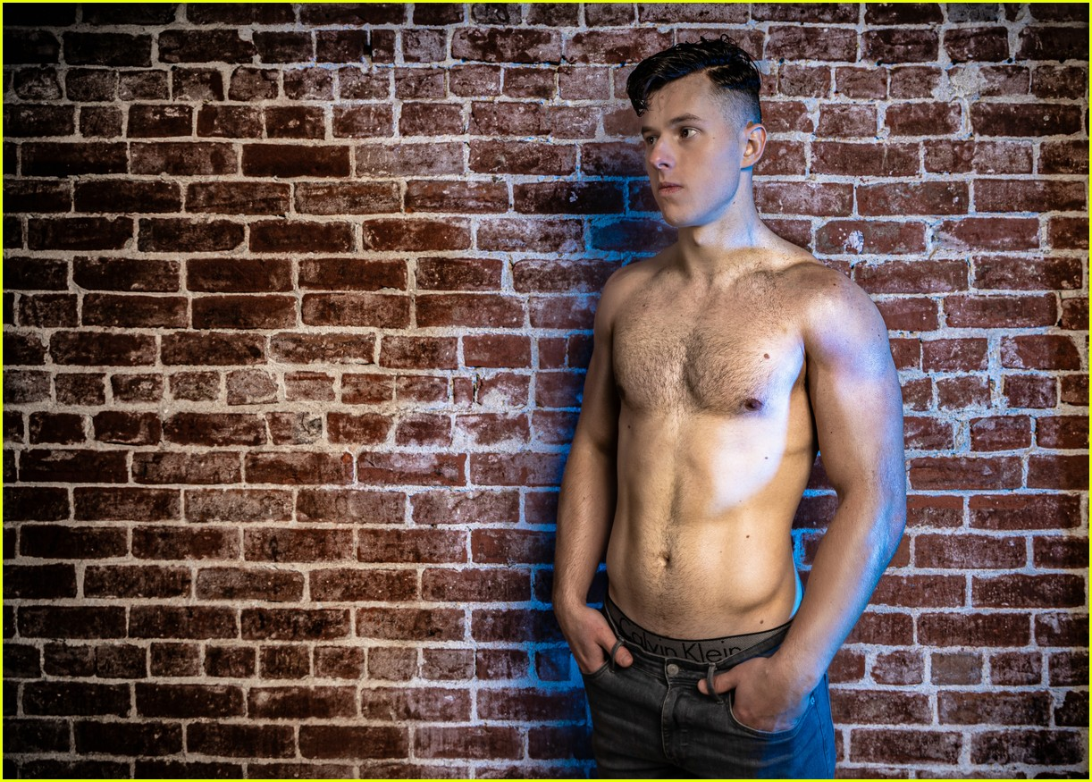 Nolan Gould - Including Shirtless :) - famousmales