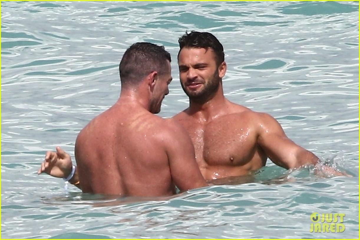 luke evans beach shirtless february 2021 034526931