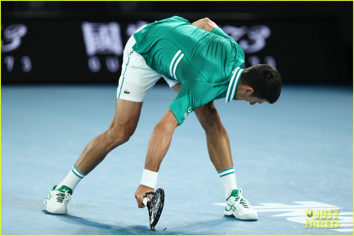 novak djokovic destroys racket 084525241