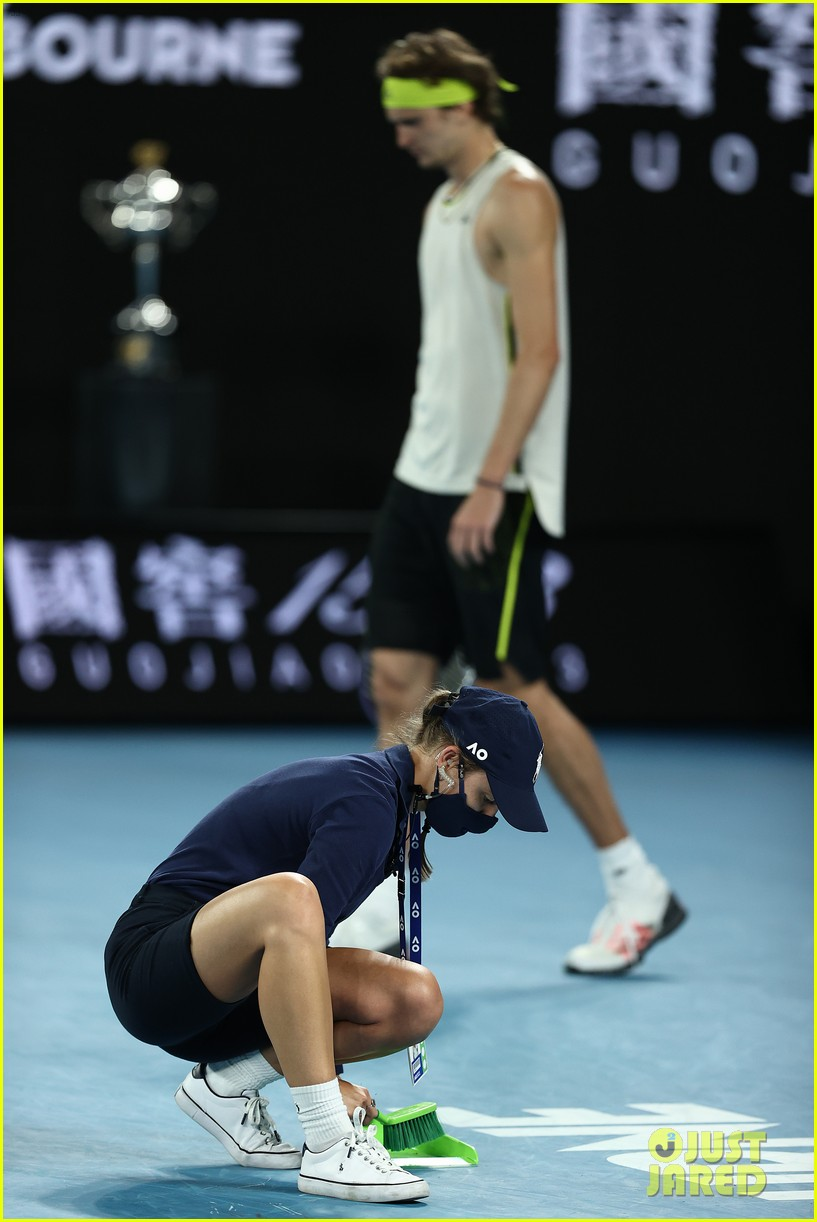 novak djokovic destroys racket 144525247
