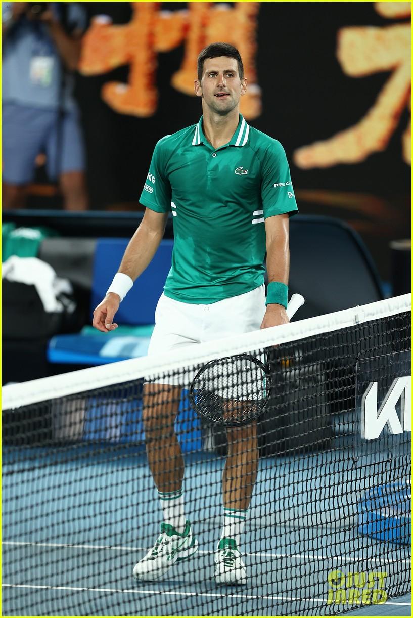 novak djokovic destroys racket 184525251
