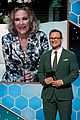catherine ohara wins for schitts creek at golden globes 01