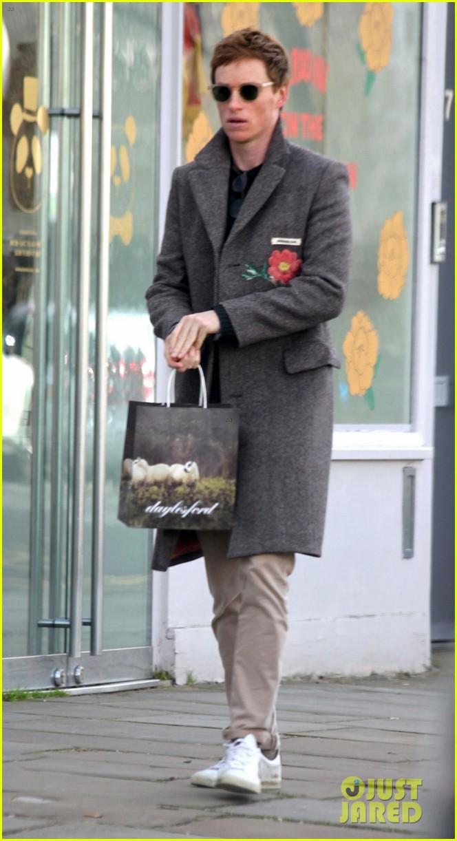 eddie redmayne spotted during break from filming fantastic beasts 024528009
