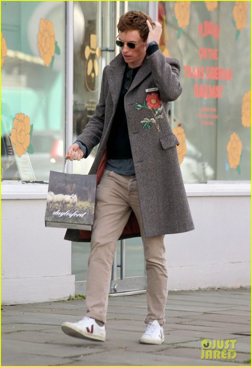 eddie redmayne spotted during break from filming fantastic beasts 044528011