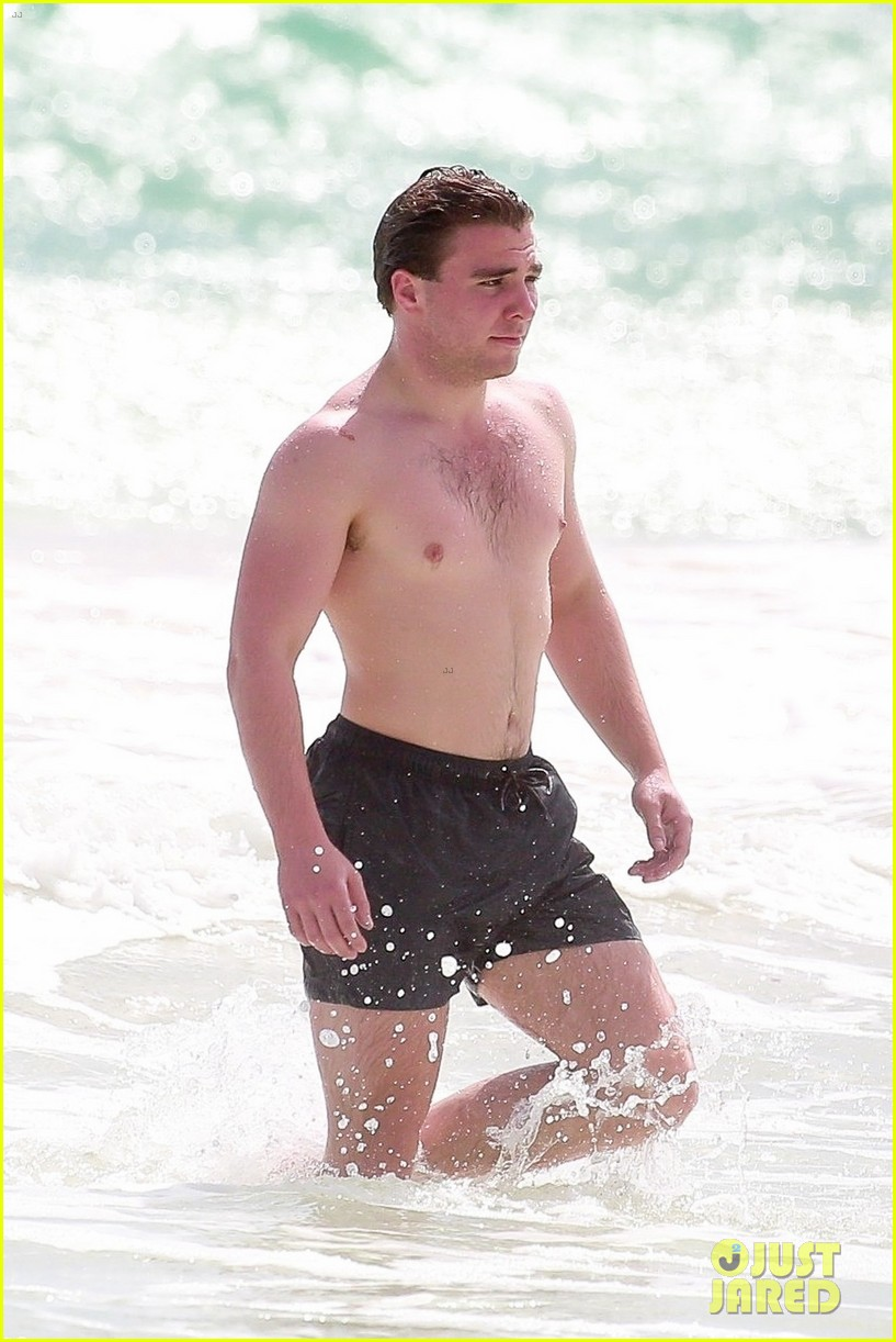 rocco ritchie shirtless beach tulum 044523706