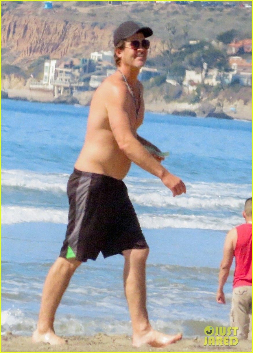 robin thicke goes shirtless for beach day with his family 354526875