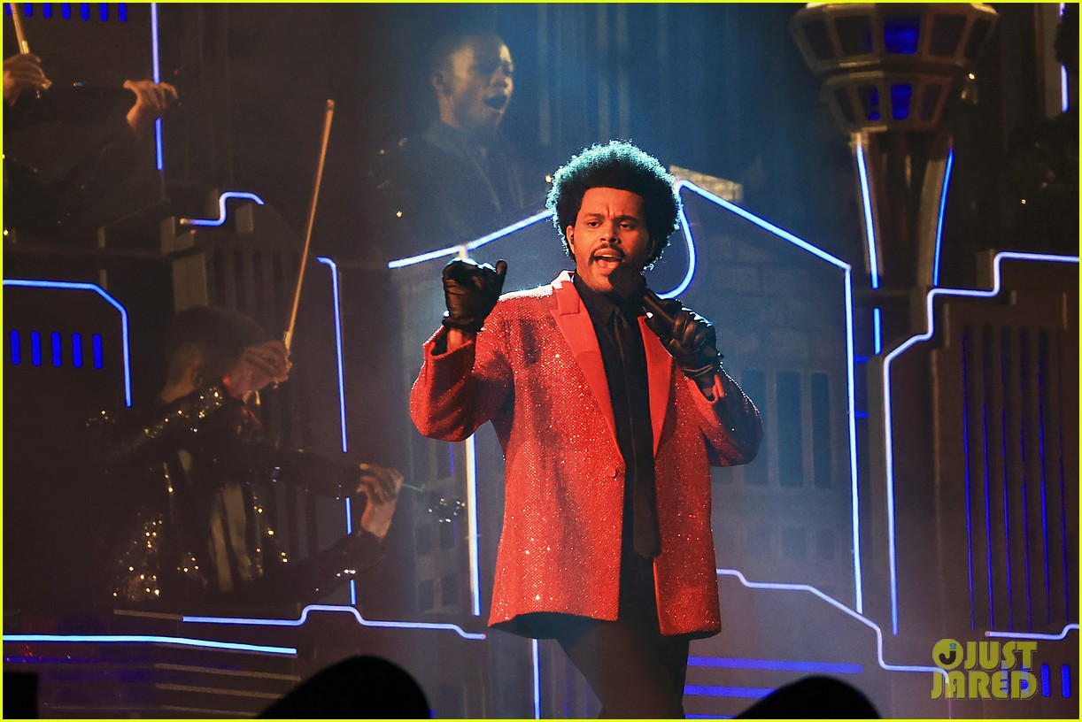 the weeknd super bowl halftime show 024523026