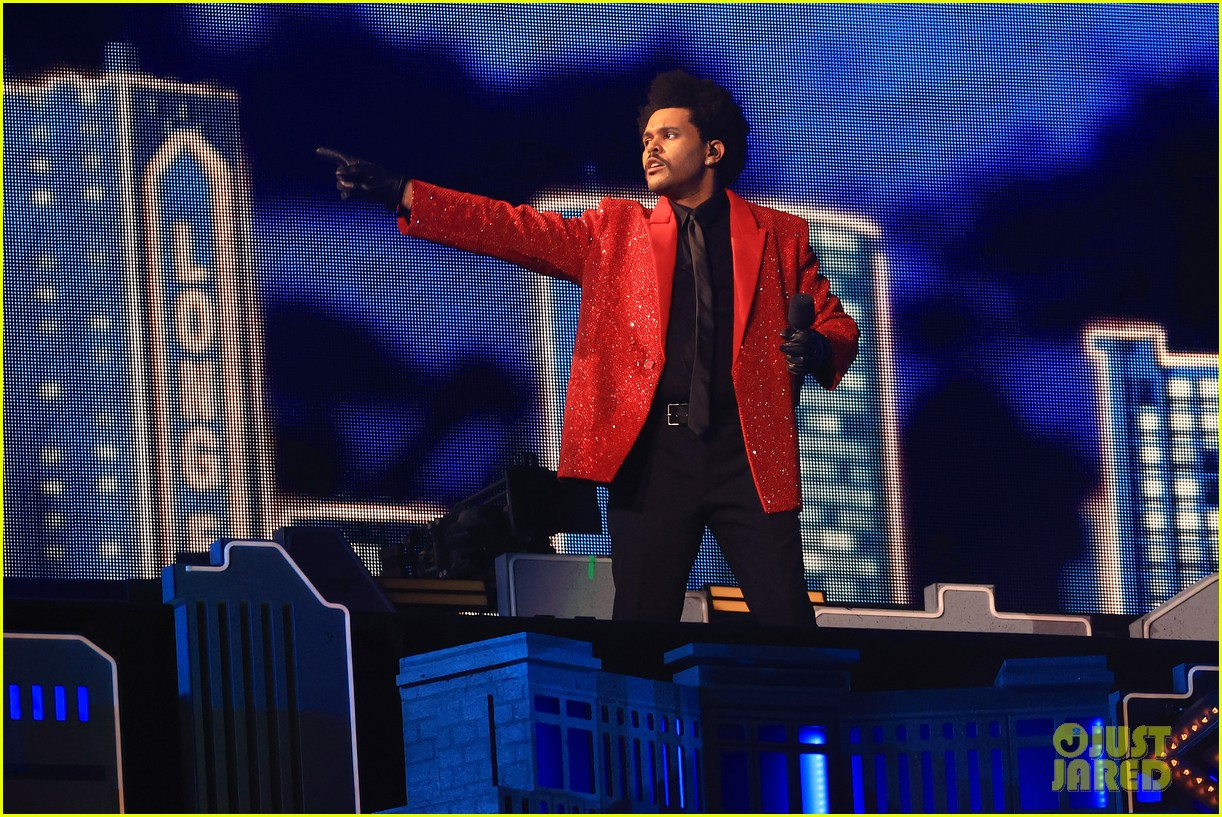 the weeknd super bowl halftime show 044523083