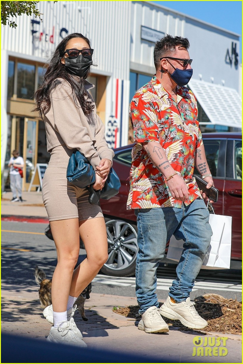 cara santana shannon leto go shopping together 034536802