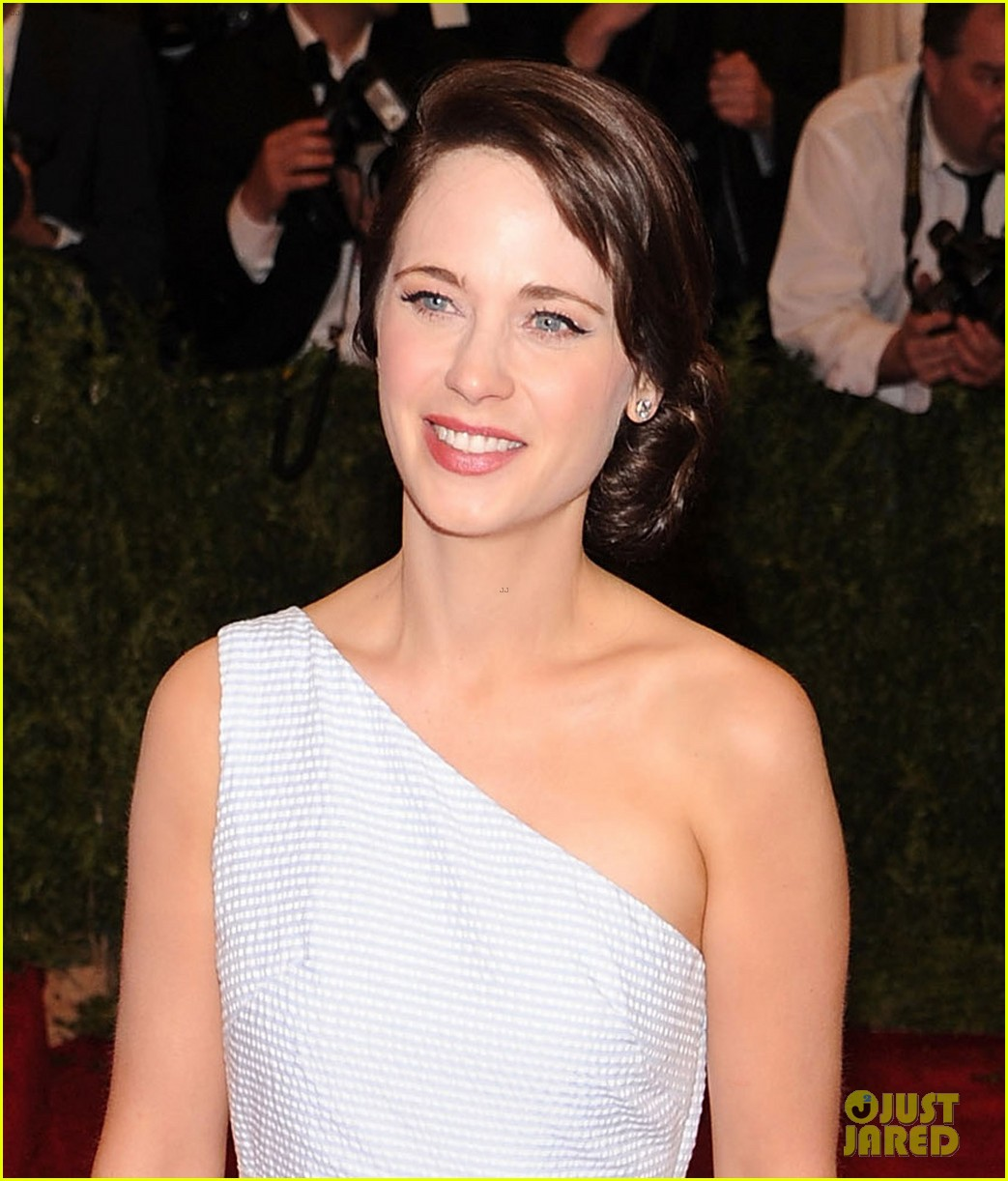 zooey deschanel without bangs 024536678