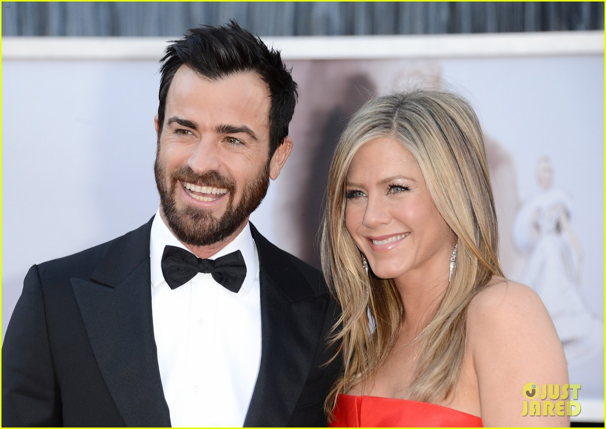 justin theroux working with jennifer aniston again 044536562