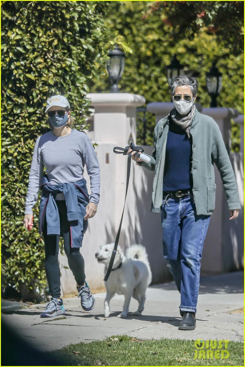 jodie foster alexandra hedison walk with their dog 054535787