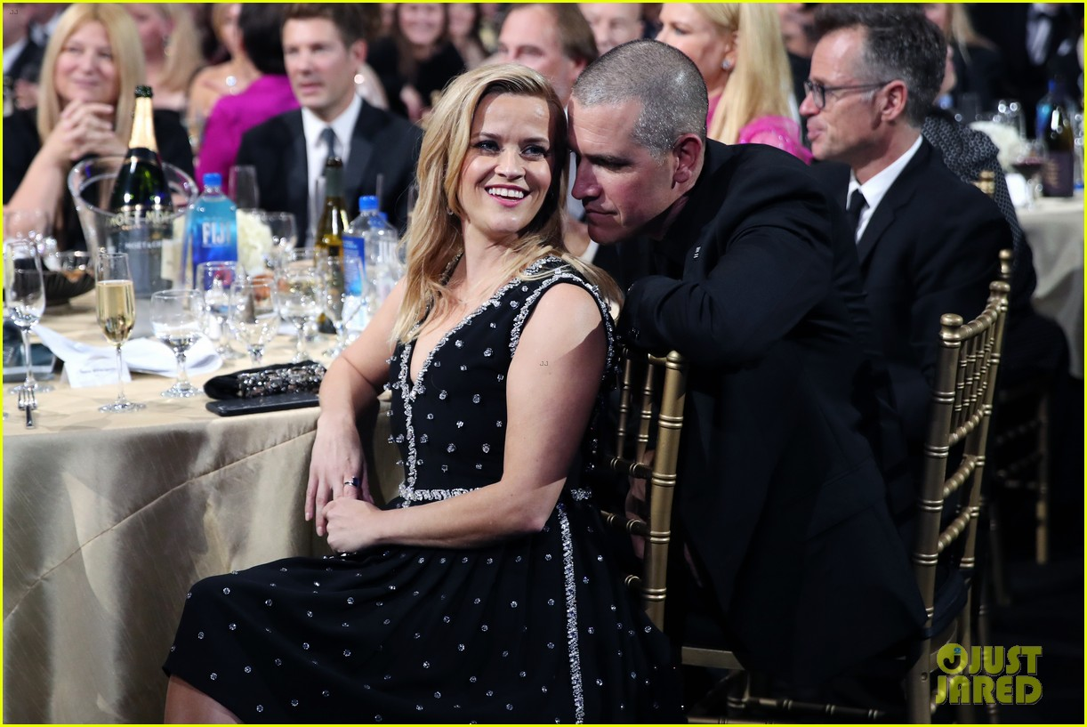 reese witherspoon celebrates anniversary jim toth 044536473