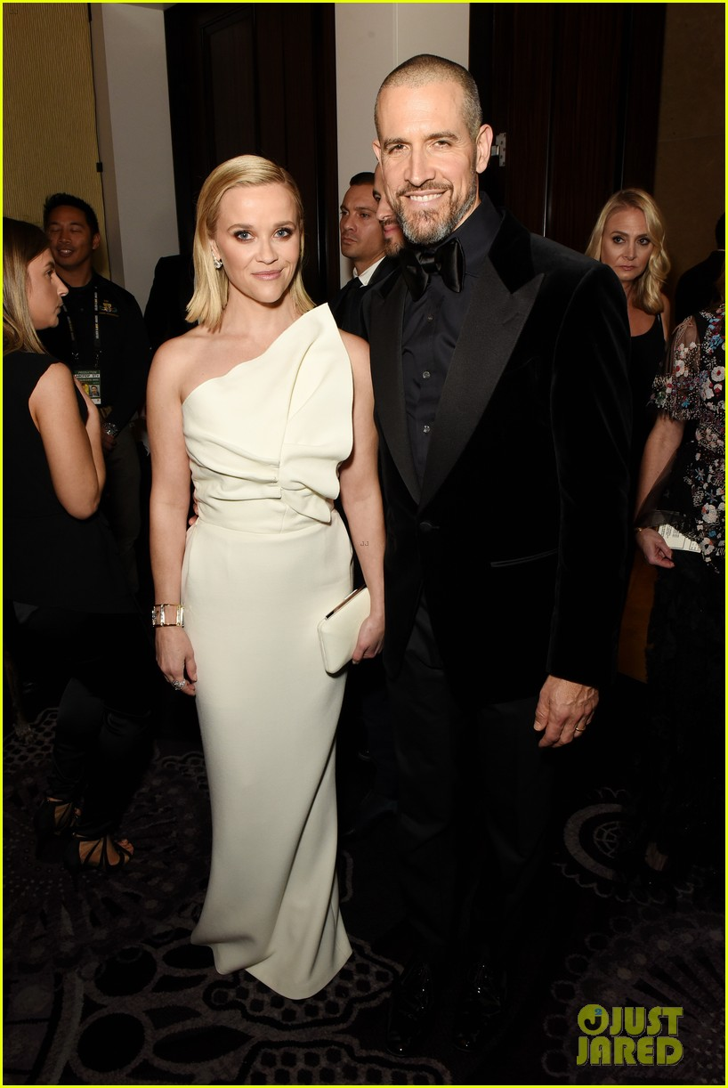 reese witherspoon celebrates anniversary jim toth 054536474