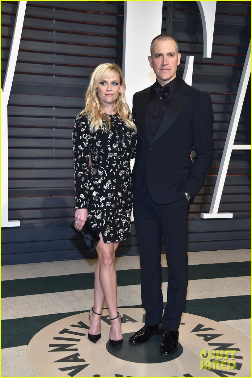 reese witherspoon celebrates anniversary jim toth 064536475