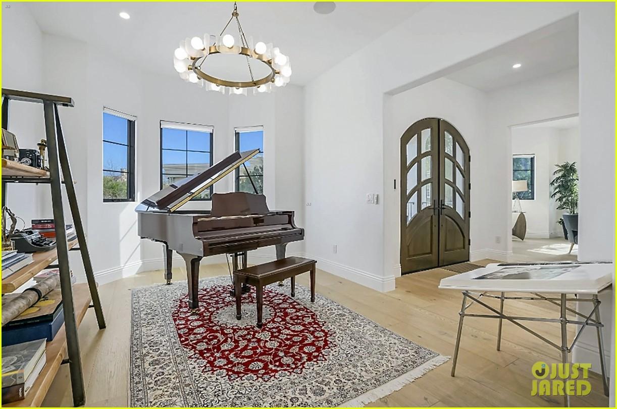 serena williams inside home on market real estate 024531754
