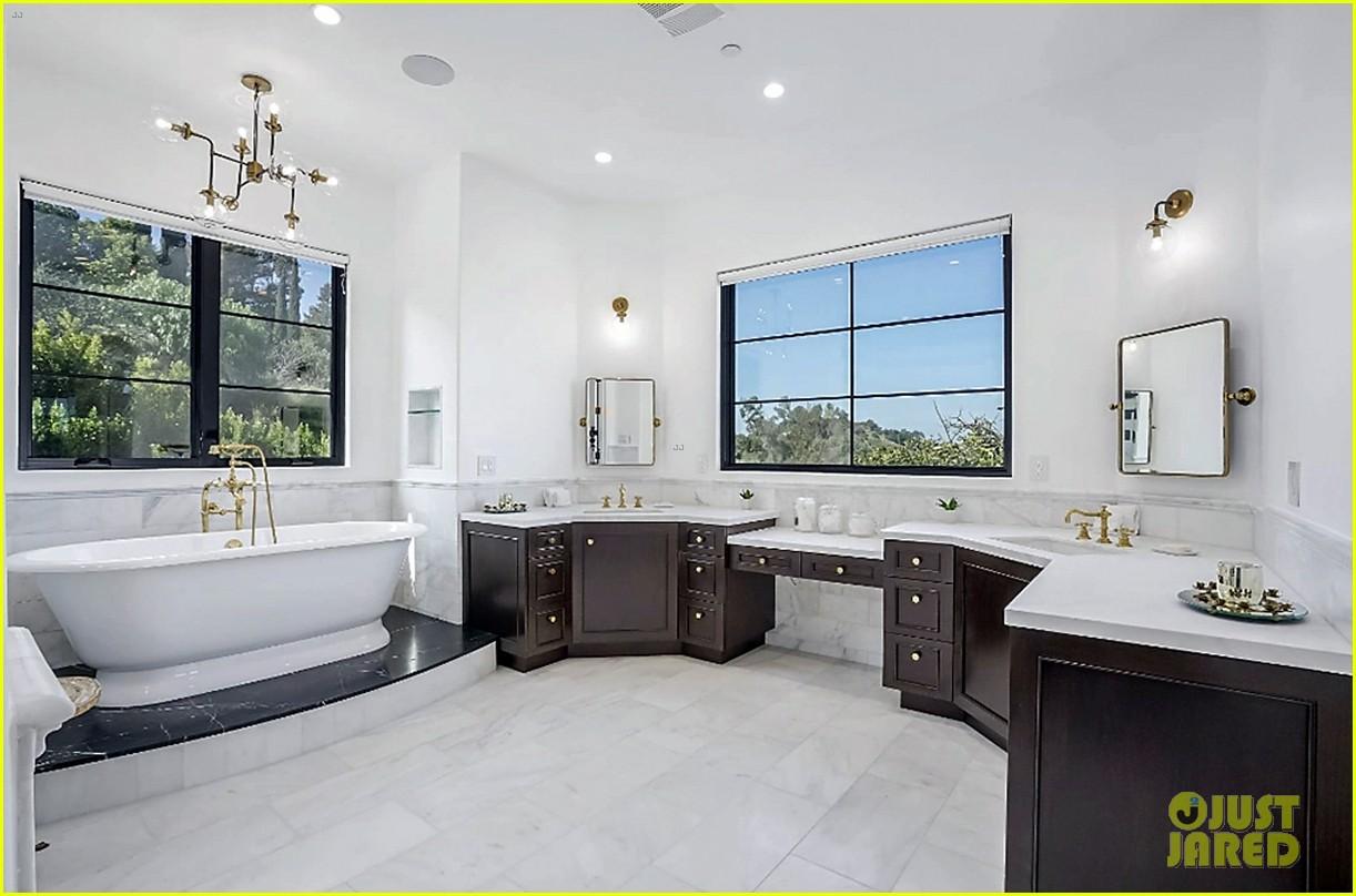 serena williams inside home on market real estate 124531764