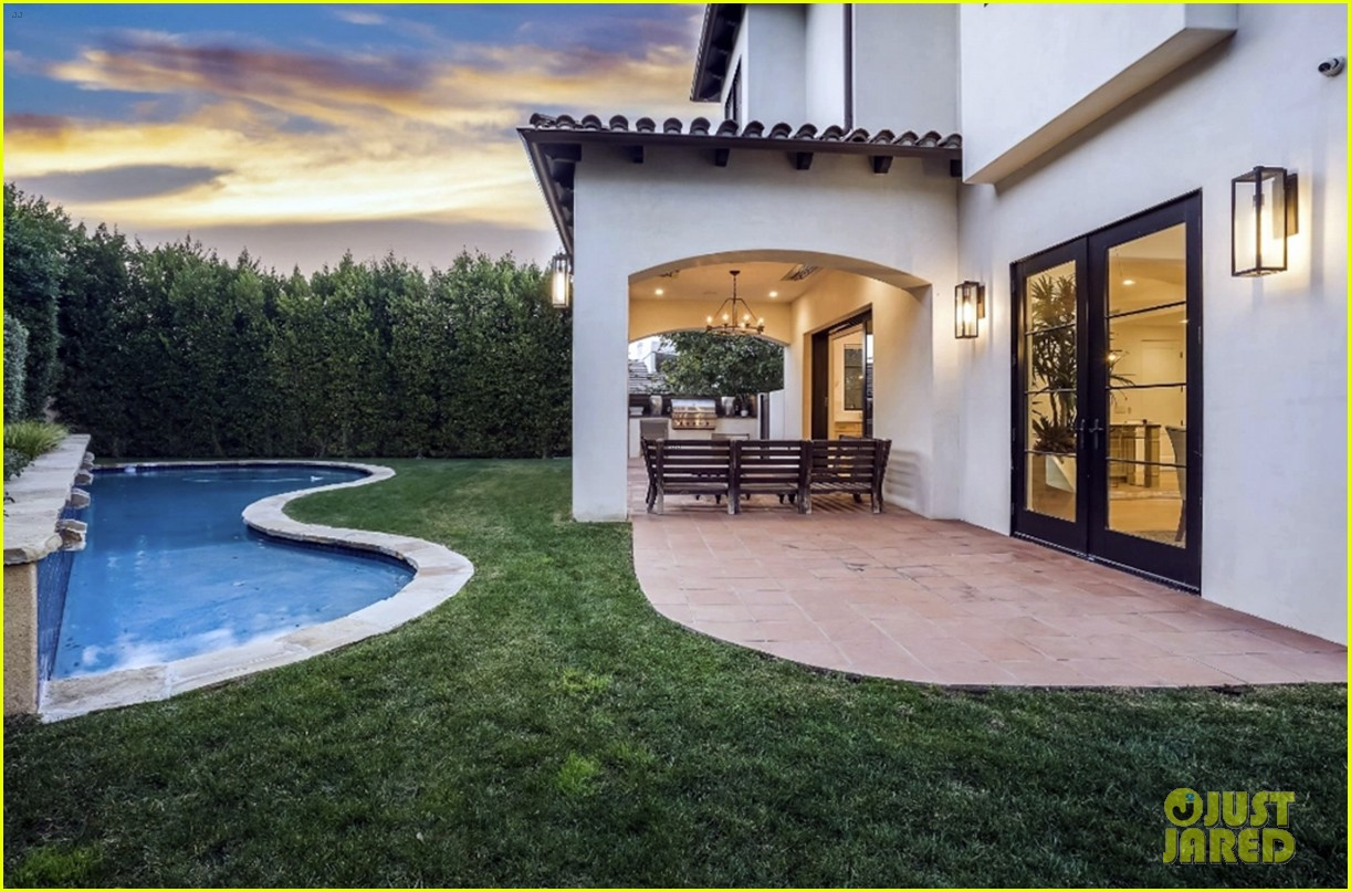 serena williams inside home on market real estate 184531770