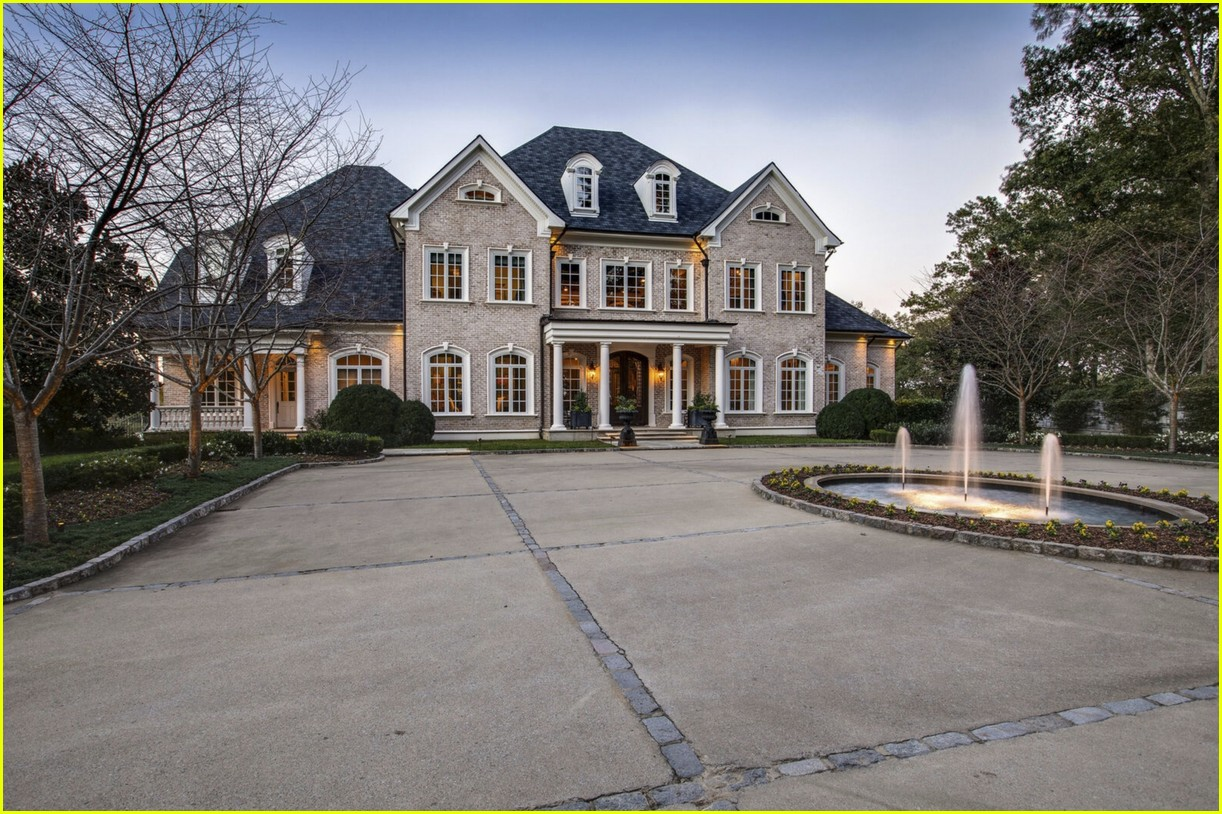 kelly clarkson inside her tennessee home 044550343