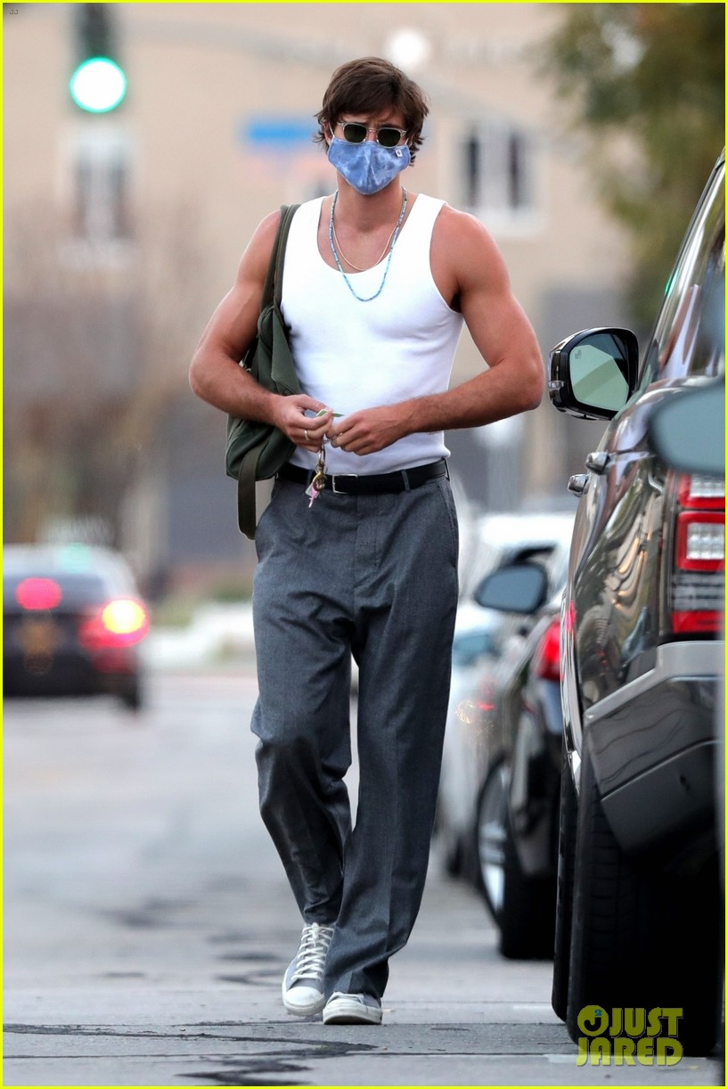 Jacob Elordi Shows Off Toned Muscles After A Workout Photo 4541472 Jacob Elordi Pictures Just Jared