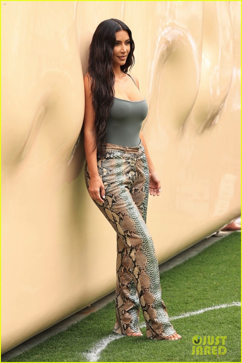 kim kardashian skims pop up shop after billionaire status 544539543