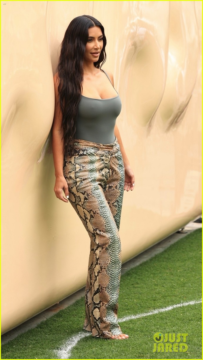 kim kardashian skims pop up shop after billionaire status 594539548