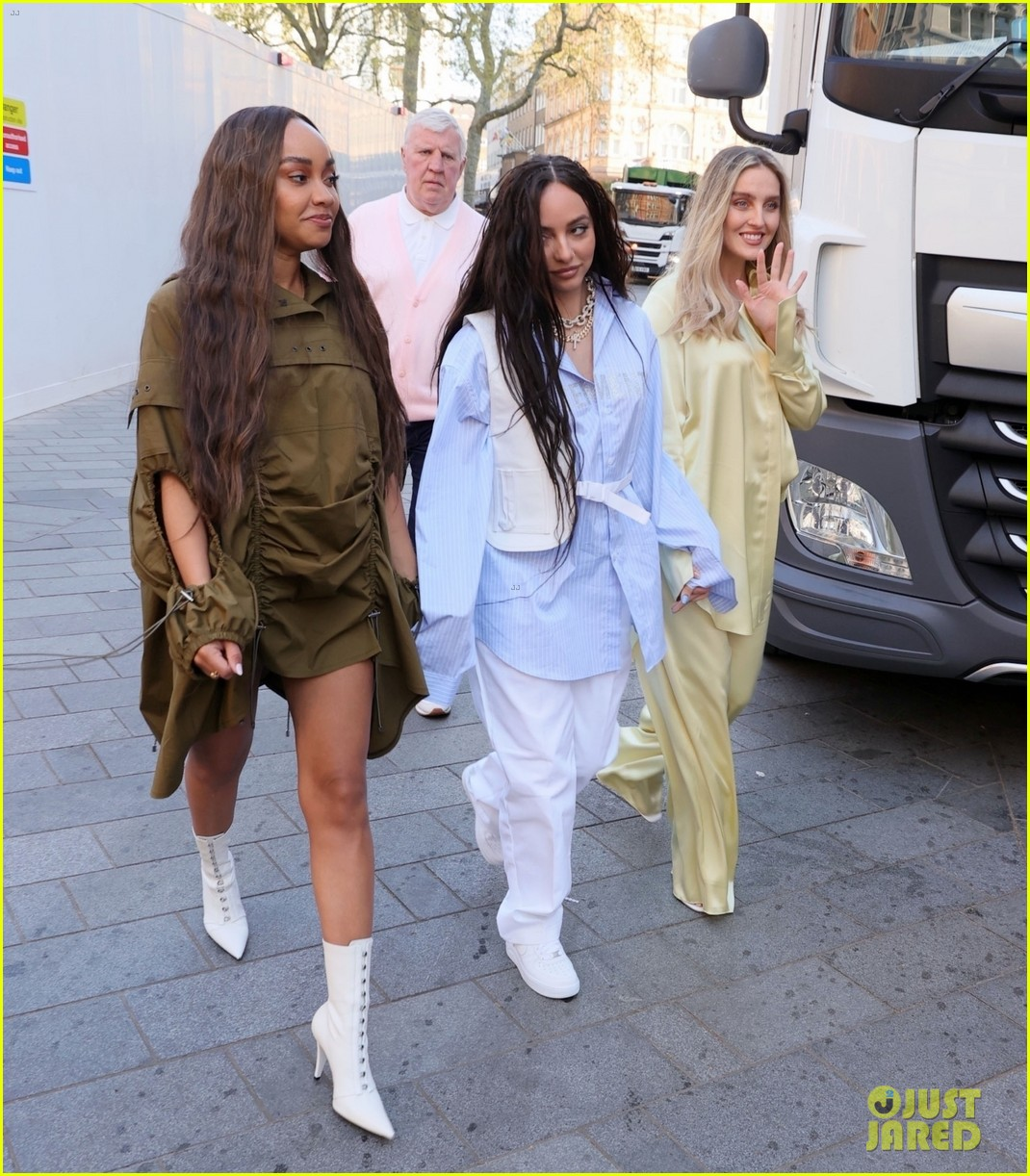little mix step out as trio 034550200