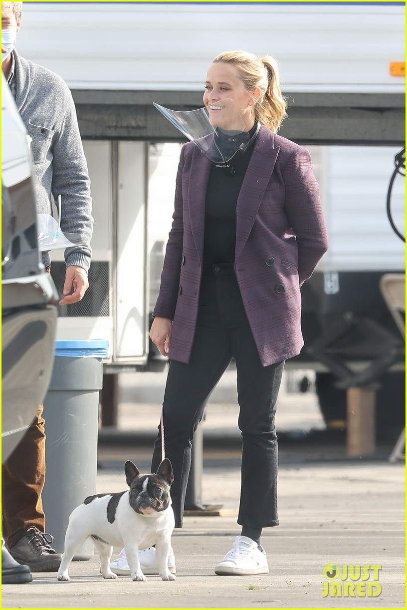 reese witherspoon morning show set with mark duplass 014541371