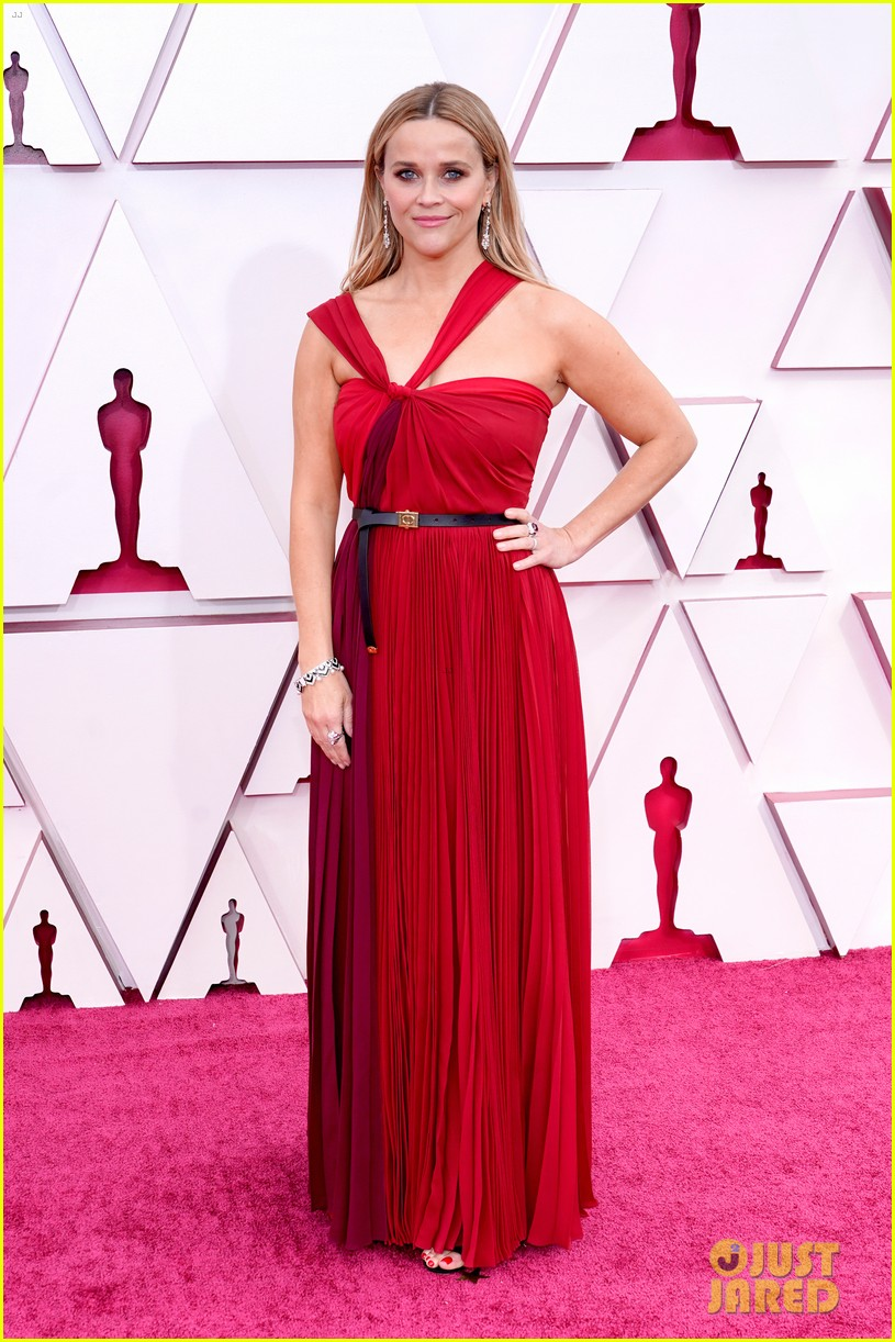 reese witherspoon enjoys night out at oscars 024547751