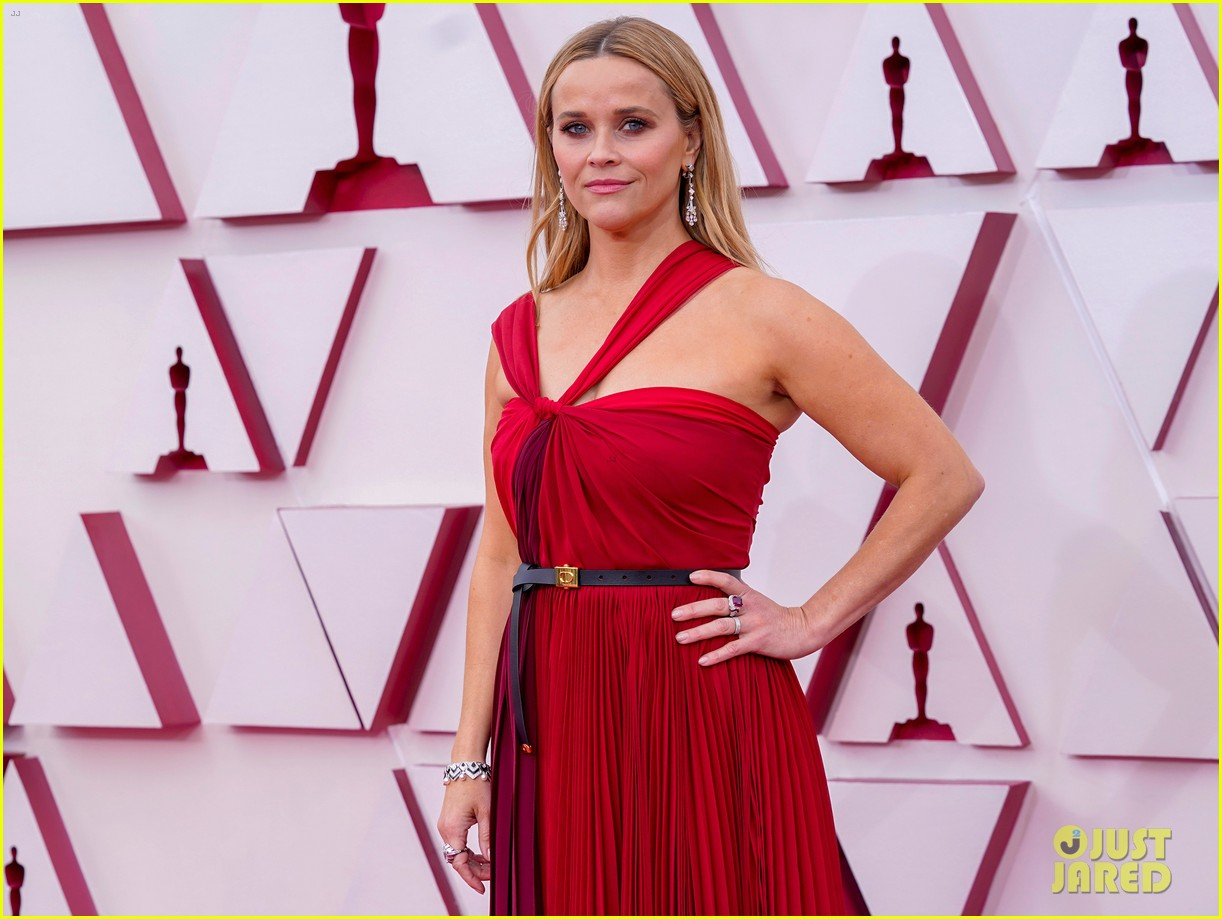 reese witherspoon enjoys night out at oscars 054547754