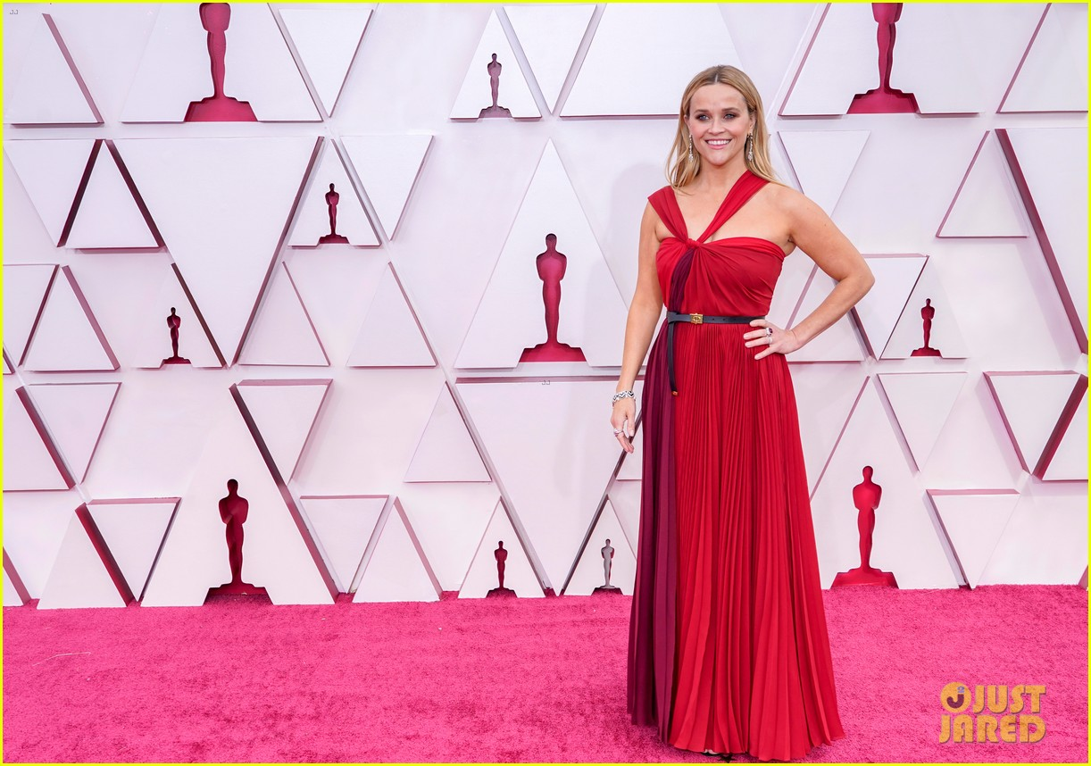 reese witherspoon enjoys night out at oscars 064547755