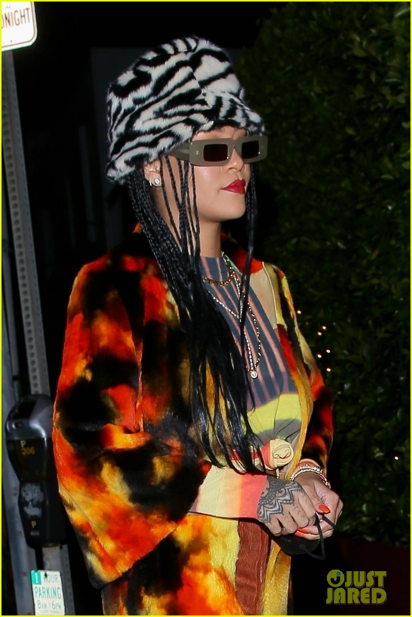 rihanna wears bold outfit for dinner in santa monica 024543938