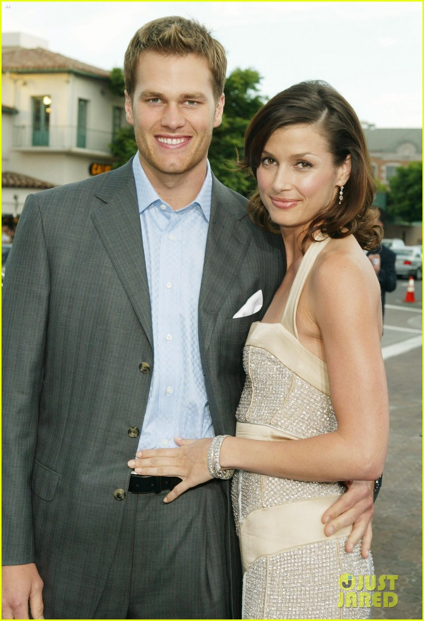 bridget moynahan reacts to reading about shirtless tom brady 044552097