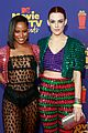 taylour paige riley keough mtv movie tv awards 17