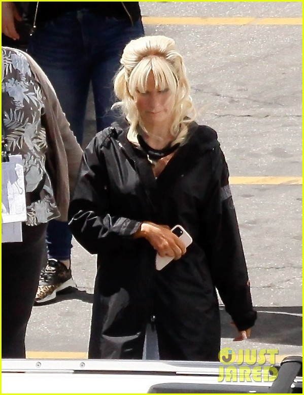 lily james as pamela anderson first set photos 014552161