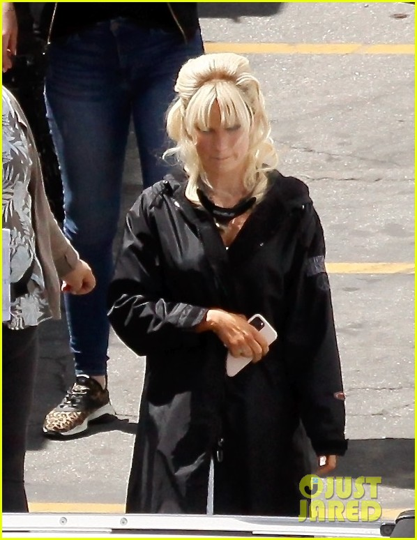 lily james as pamela anderson first set photos 024552162