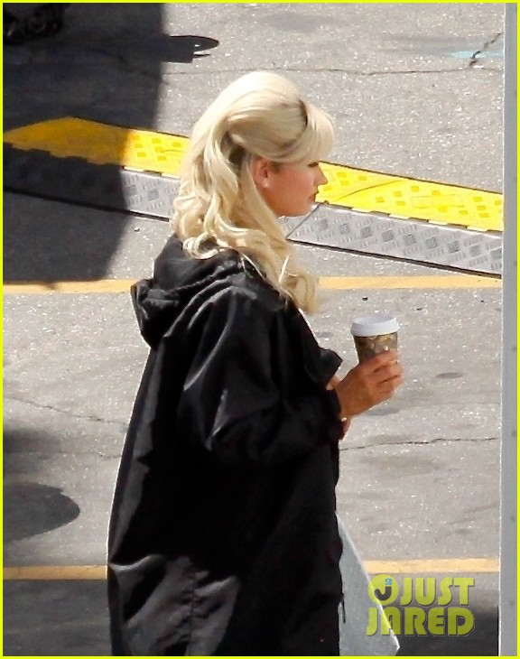 lily james as pamela anderson first set photos 054552165