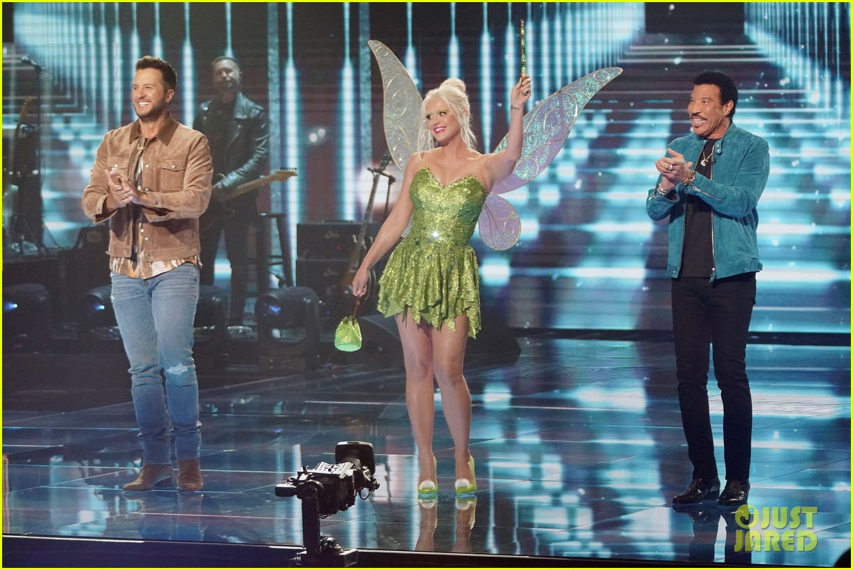katy perry dresses as tinker bell for disney night american idol 014551210