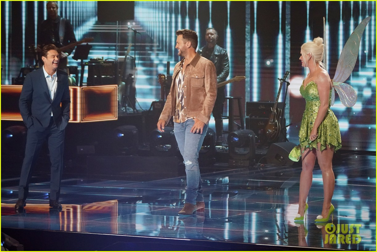 katy perry dresses as tinker bell for disney night american idol 064551215