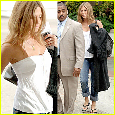 Jennifer Aniston Candid Pictures