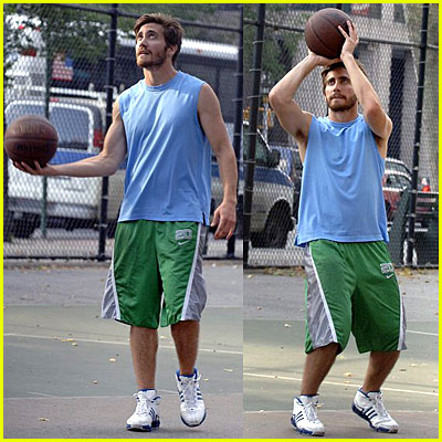Jake Gyllenhaal Plays Basketball Again!!