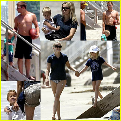 Ryan Phillippe Shirtless on the Beach