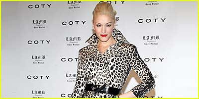 Gwen Stefani Smells It Up
