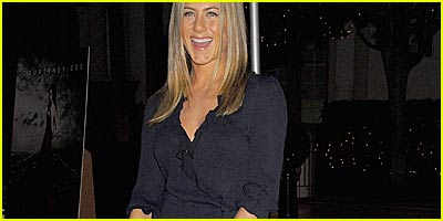 Jennifer Aniston Does 'Dirt'