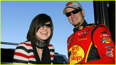 Kelly Clarkson Revs Up NASCAR