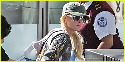 Paris Hilton Checks In With Security